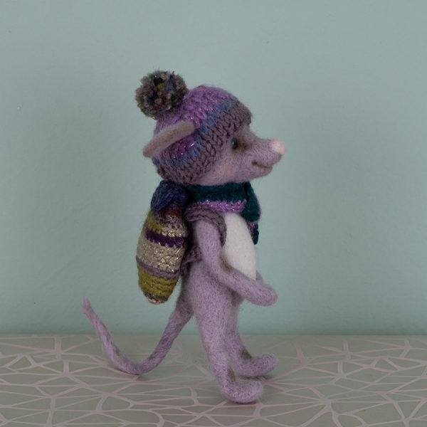 игрушка-мышонок-профиль