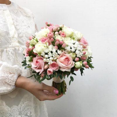 свадебный-букет-кружево