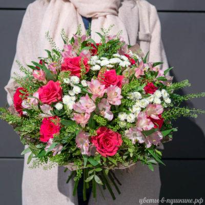 букет-барселона-розы-альстромерии